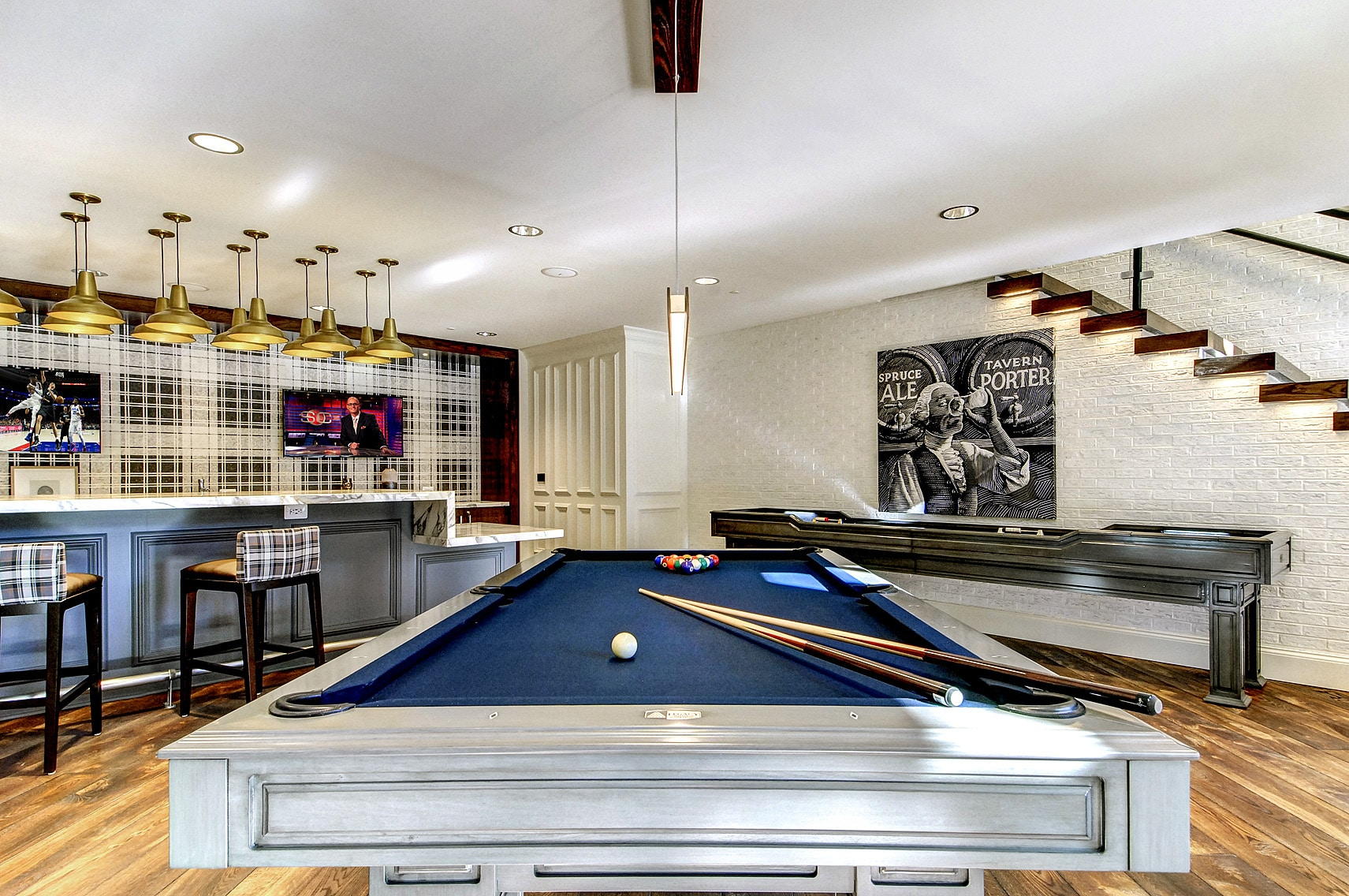 clubroom shuffleboard and billiards-Maybrook Wynnewood PA luxury apartment_DSC2185_7_9 web