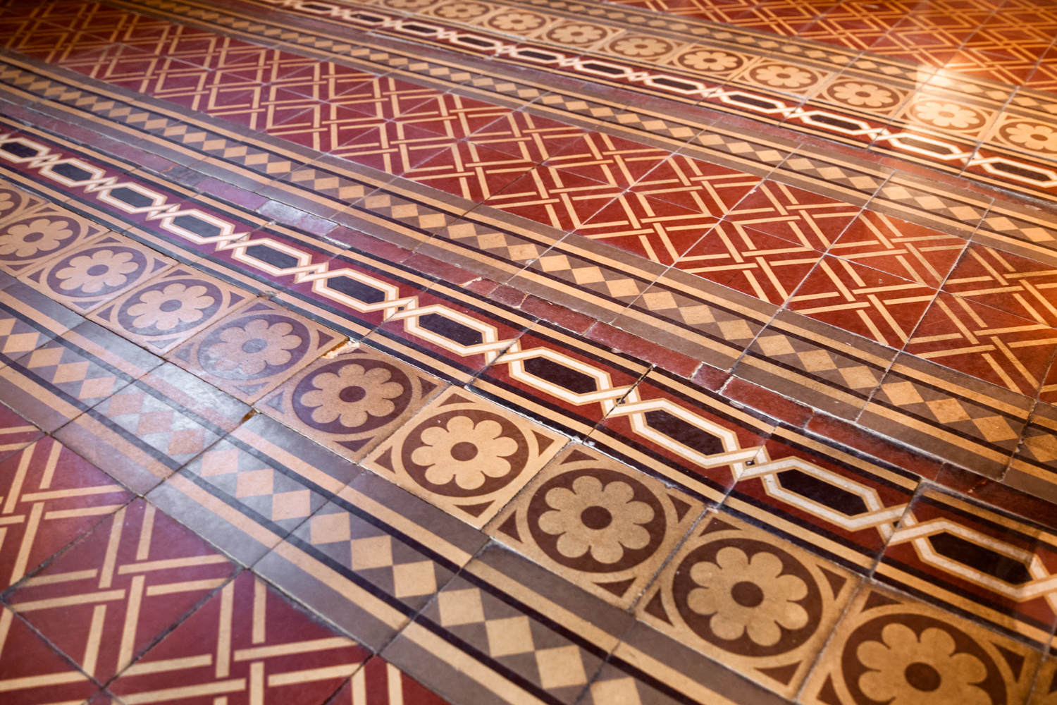 Maybrook Mansion - grand hall floor detail